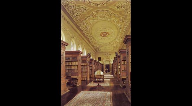 Колледж Квинс в Оксфордском уннивер., Англия